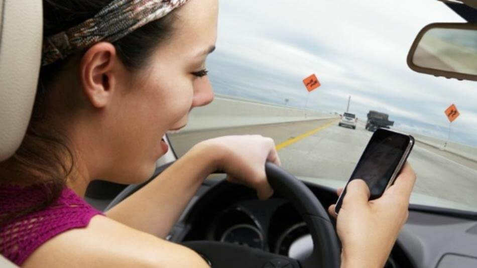 driving and teens text Prevention what is being done states many states are enacting laws—such as banning texting while driving, or using graduated driver licensing systems for teen drivers—to help raise awareness about the dangers of distracted driving and to.