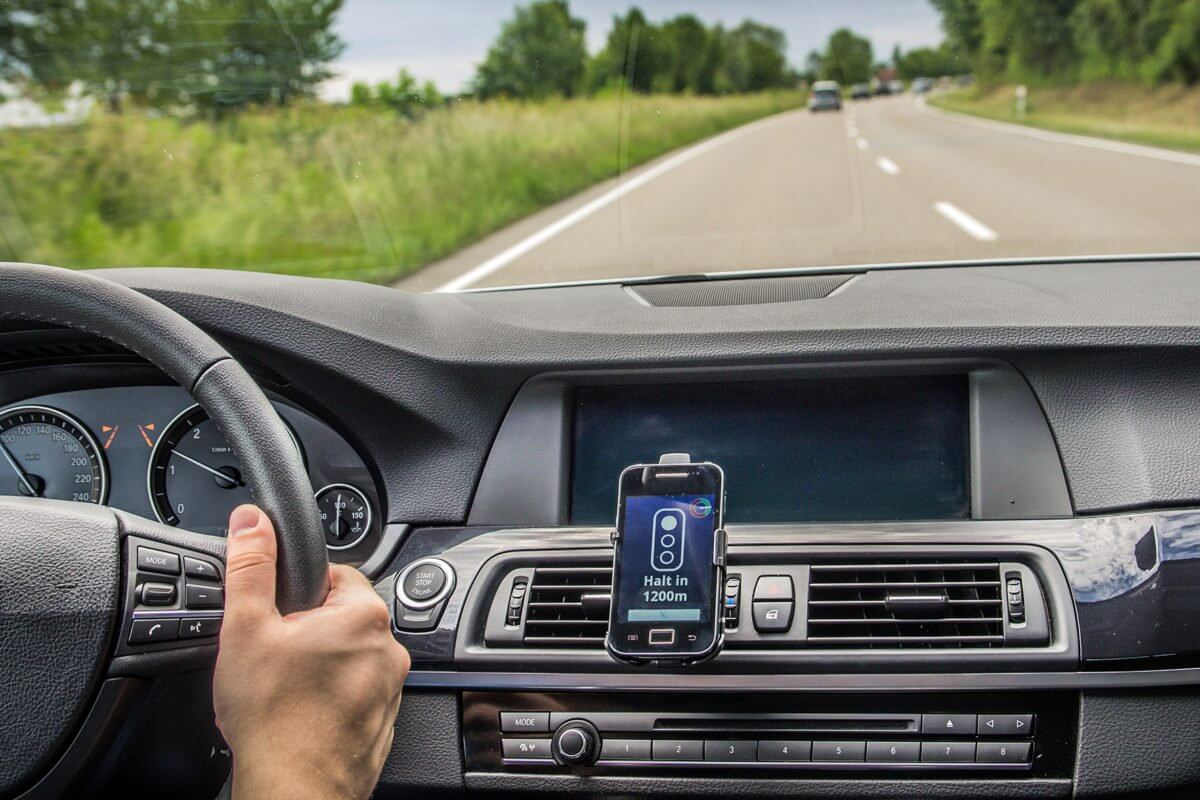 How To Use Cell Phone While Driving